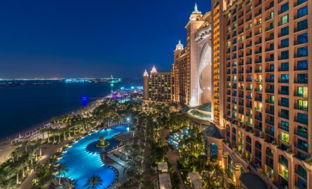 Pool in Abendstimmung Atlantis The Palm