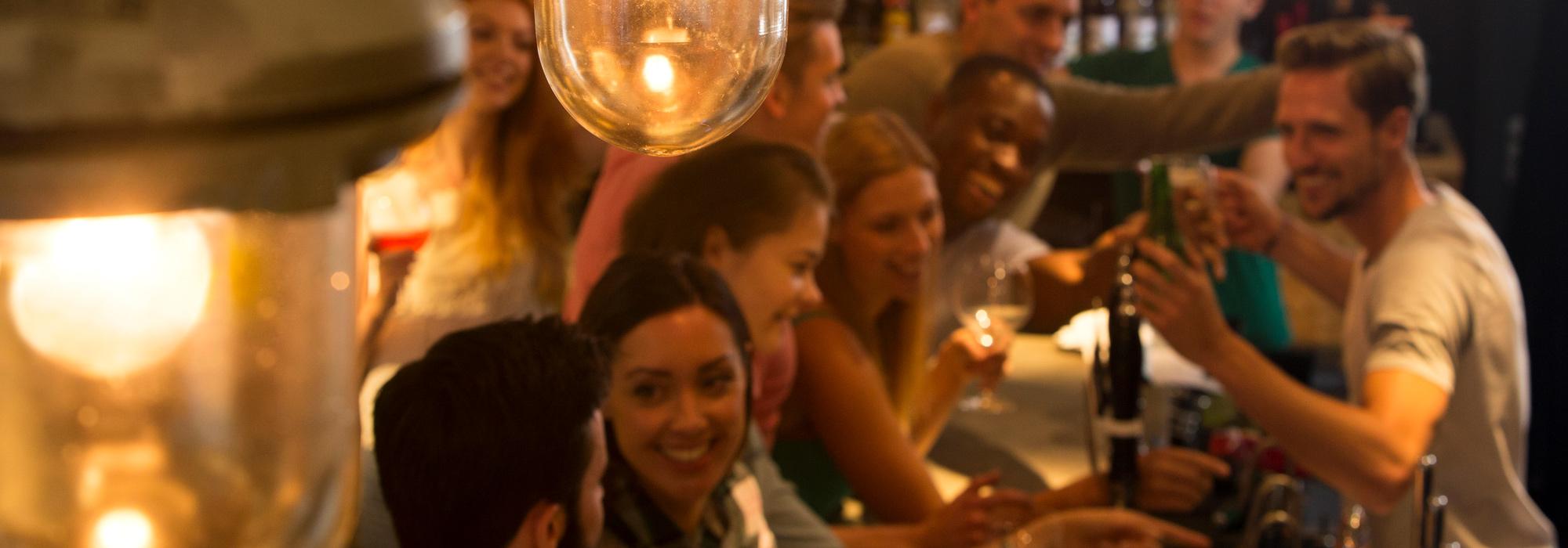 Bars und Clubs in Dubai für das Nightlife erkunden