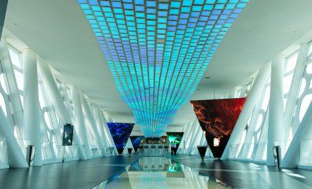 360 Grad Aussichtsplattform mit Glasboden im Dubai Frame