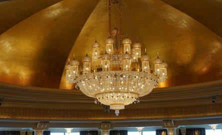 Gigantischer Kronleuchter im Burj al Arab