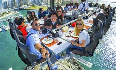 Ticket für das Dinner in the Sky in Dubai sichern und abheben