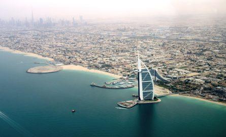 Der Stadtteil Jumeirah in Dubai mit dem Burj al Arab