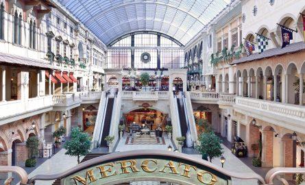 Die Mercato Mall in Dubai eignet sich hervorragend zum Einkaufen und Bummeln