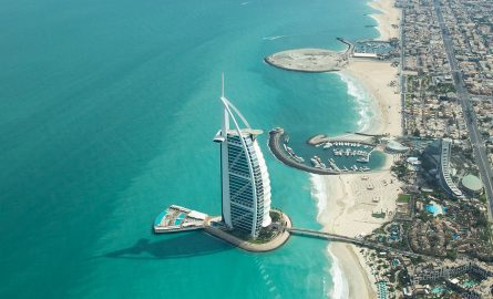 Luxushotel Burj al Arab mit Infinity-Pool
